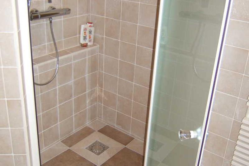 Badkamer Tegels Kleuren : Kin Boer Multimontage Natuurlijke badkamer
