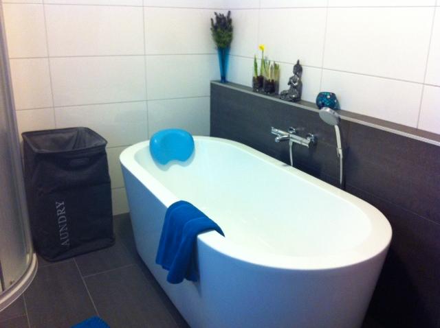 Kin boer multimontage badkamer met vrijstaand bad
