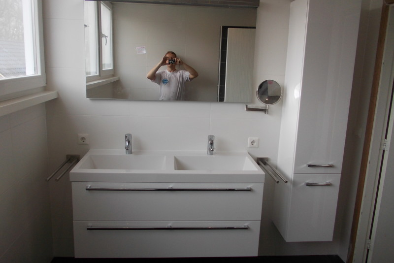Kin Boer Multimontage | Badkamer geheel vernieuwd en voorzien van ...